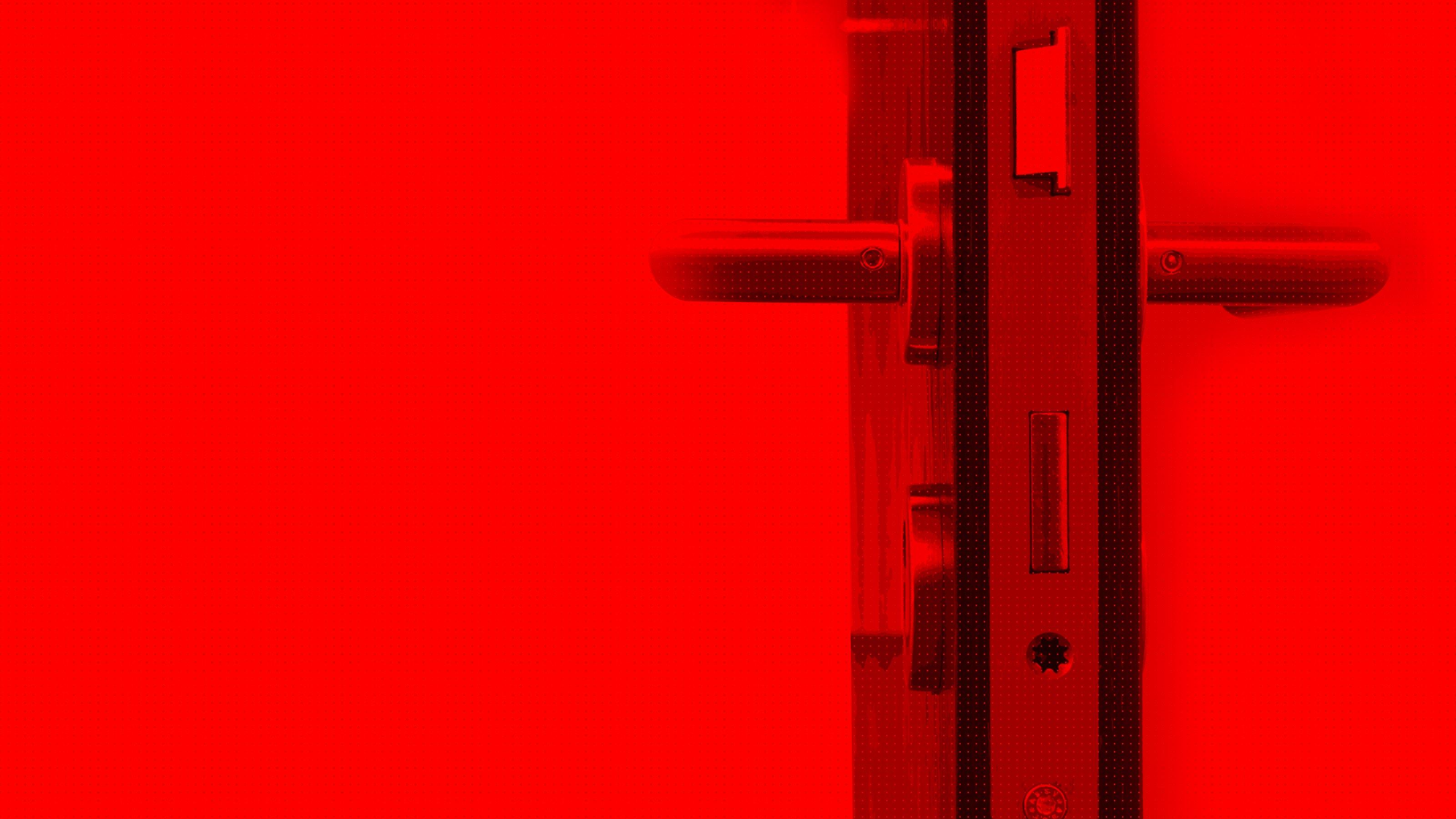 Une porte ouverte après un dépannage en serrurerie